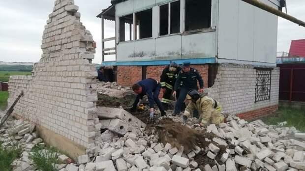 Трое детей погибли в Воронеже из-за обрушения недостроенного дома