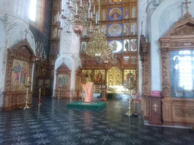 Внутри Успенского Кафедрального собора