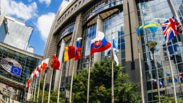 ЕП призвал временно отключить Белоруссию от SWIFT