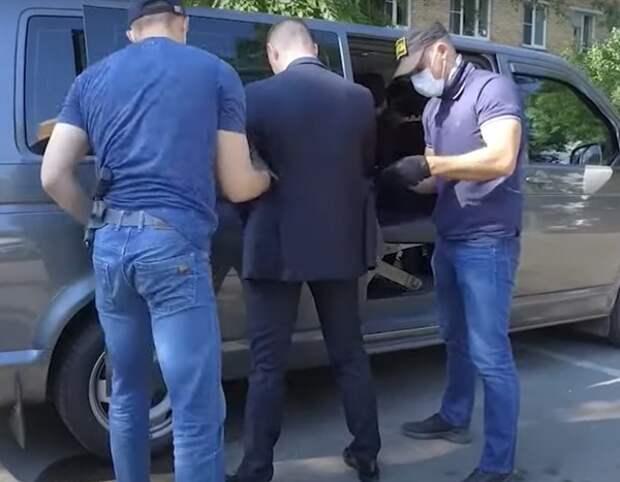 Адвокат: Разведка следила за Сафроновым с прошлой осени