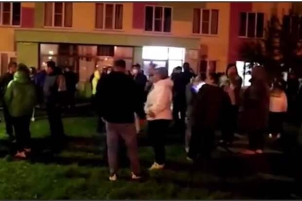 Выслать мигрантов, отдать работу местным: жители Бужанинова провели второй народный сход