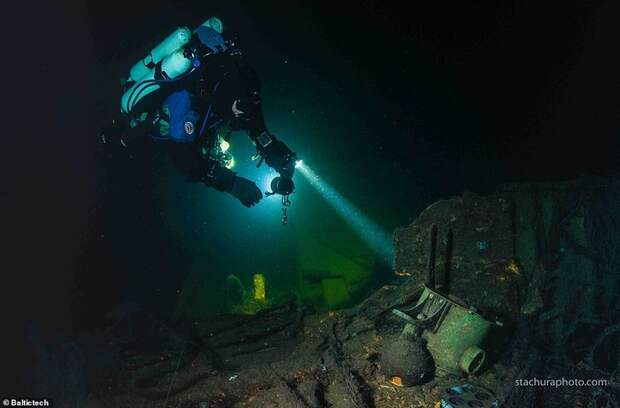 Недавно обнаруженный затонувший нацистский военный корабль возможно содержит потерянные сокровища янтарной комнаты Военная техника, Янтарная комната, Дайвинг, Длиннопост