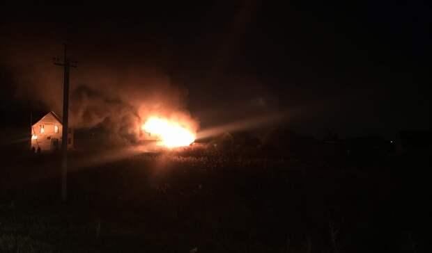 Ночью втюменском СНТ «Рябинка-2» произошел пожар