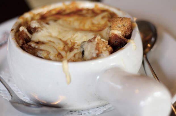 Берем обычный лук и превращаем его во вкуснейшую еду