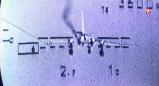Су-25 сбил самолет противотанковой ракетой