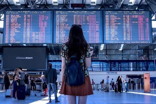 Заливает: в симферопольском аэропорту самолет выкатился за пределы взлетной полосы