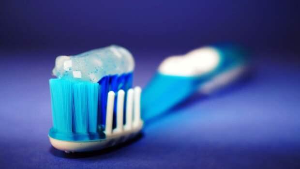 Стоматолог рассказал, какую зубную пасту лучше выбрать