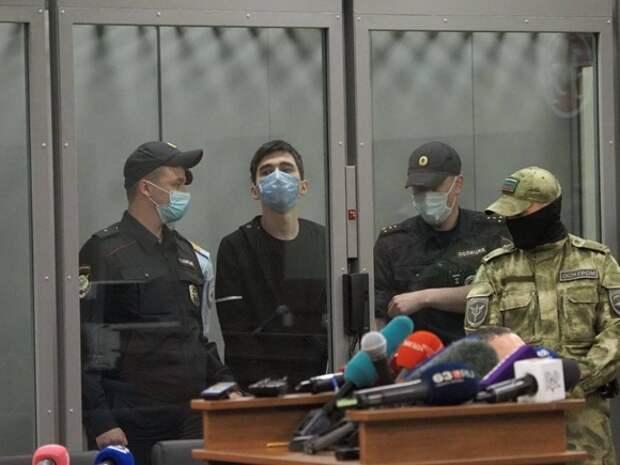 Студент колледжа, где учился казанский стрелок, тоже считал себя «богом» и год назад покончил с собой