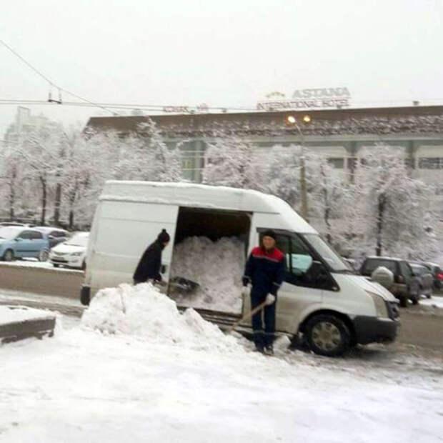 Секретная технология уборки снега.   Фото: Taringa!