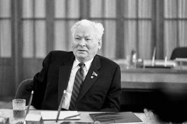 «Тайные жёны» Константина Черненко: скольких их было