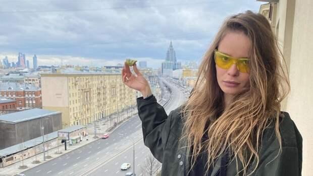 Участницу Pussy Riot Никульшину доставили в полицию