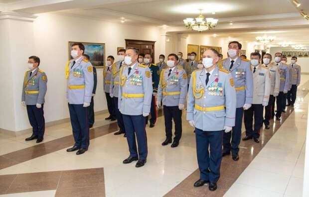 Токаев вручил награды ряду полицейских и военнослужащих Национальной гвардии