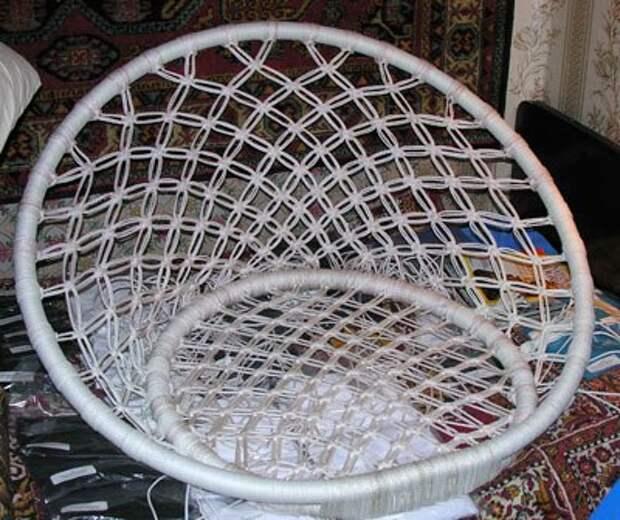 Плетёное кресло для дачи своими руками