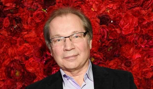 66-летний пианист Розум прокомментировал сплетни о романе с юной возлюбленной сына Королевой