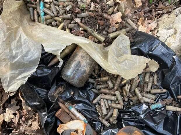 Под Феодосией обнаружили схрон с боеприпасами