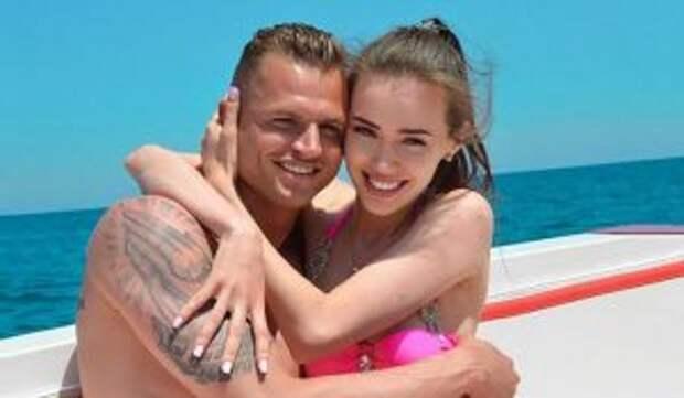 «Мы ждем малыша»: Тарасов и Костенко станут родителями в третий раз
