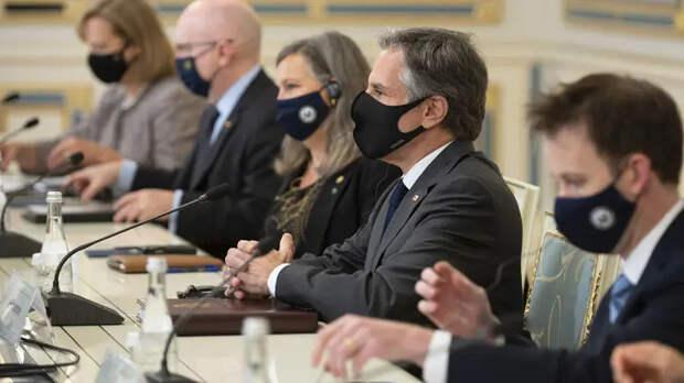 Инспекция удалась: «собаки» Порошенко – фавориты визита Блинкена в Киев?