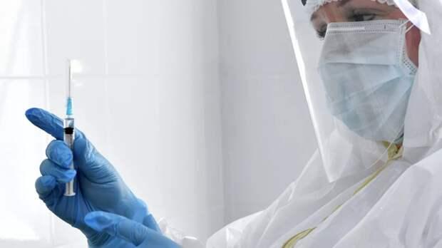 В Петербурге открыли шатёр для вакцинации от коронавируса