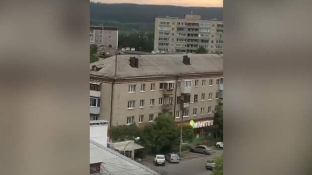Полиция Екатеринбурга опровергла сообщение о взрыве в доме стрелка на Химмаше