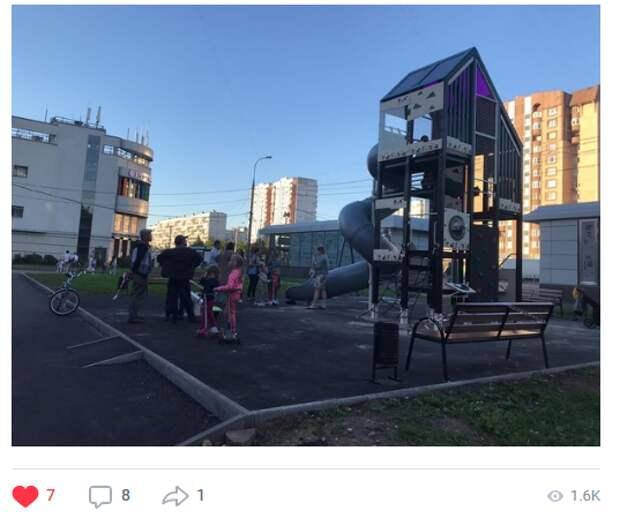 Детскую площадку на Енисейской планируют вернуть в августе