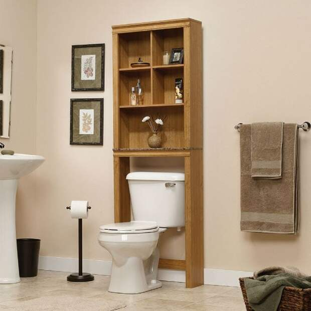 Используем всё пространство с пользой: 13 интересных полок для туалета