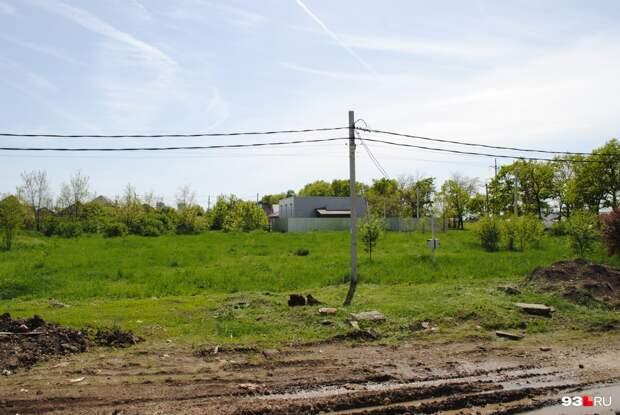 Окраина рая. Что нужно знать сибирякам, которые мечтают переехать на юг: репортаж из скандального поселка