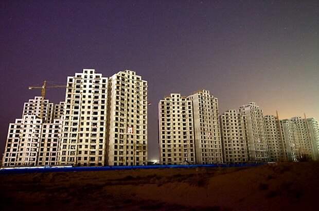 Некоторые дома так и не были достроены из-за отсутствия покупателей на квартиры. /Фото: bigpicture.ru