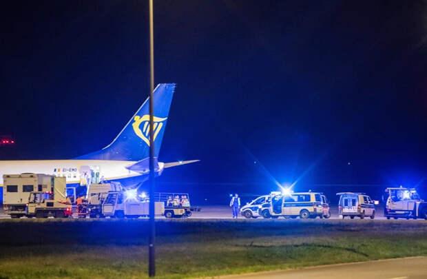 Рейс Ryanair экстренно посадили в Берлине из-за сообщения о бомбе