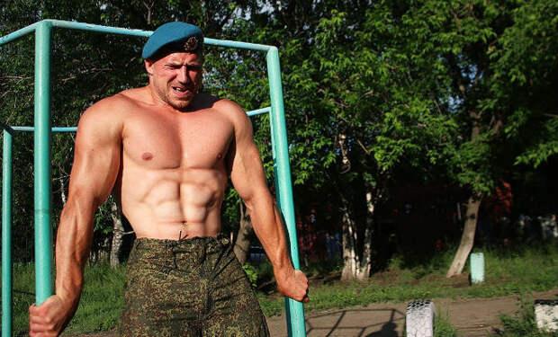 Генерал ВДВ показал тренировку десантников: нужен турник и 15 минут времени