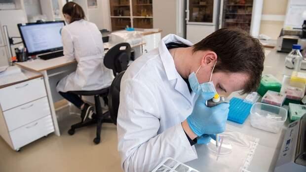 Под санкции США попали занимавшиеся вакциной от COVID-19 ученые из РФ
