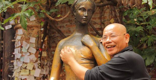 10 интересных находок, сделанных внутри статуй