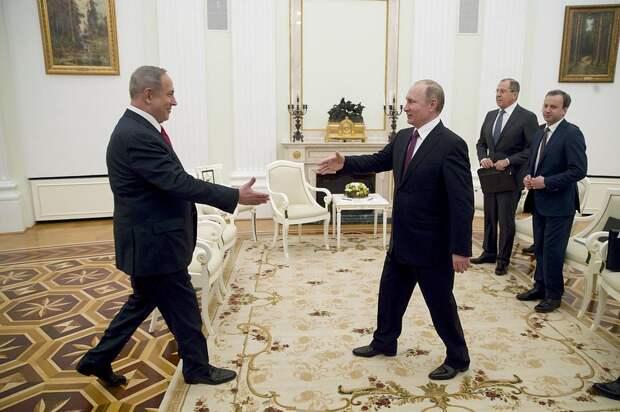 Весь мир знает, как умеет делать подарки президент РФ