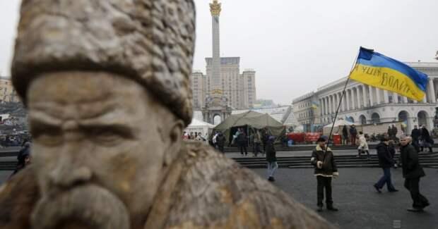 В Киеве тревога: украинская молодёжь не вылезает из российского медийного и культурного пространства