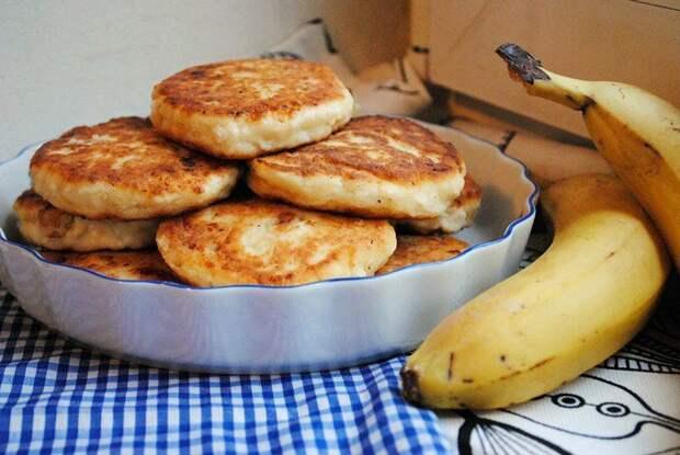Сырники с бананом - сытный и вкусный затрак выходного дня.