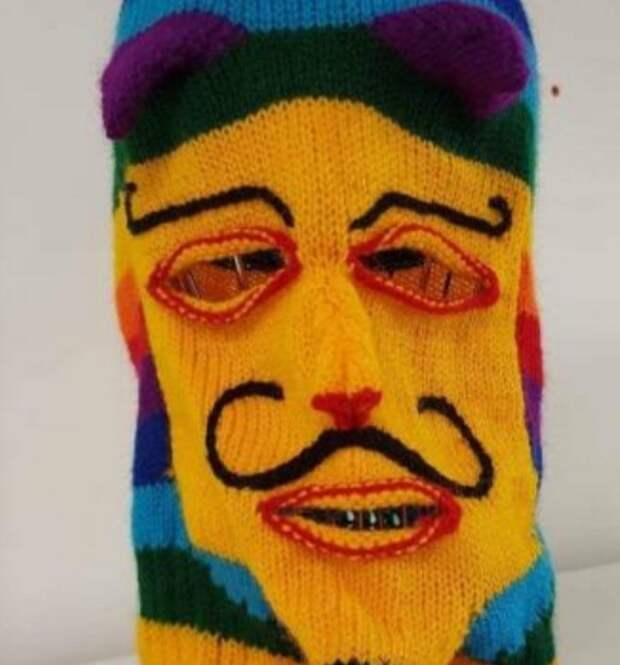 Вязанная маска Анонимуса