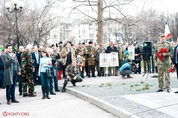 Глава ДНР Захарченко посетил Крым в годовщину референдума о присоединении к России 9