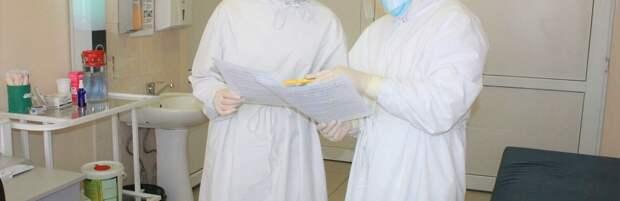 Медики из Шымкента спали пенсионерку с тяжелым течением КВИ