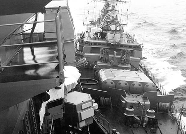 МалоКтоЗнает после каких событий военные корабли США не заходят «без спроса» в воды РФ.  В 80-е годы прошлого века Запад решил, что время СССР подходит к концу…