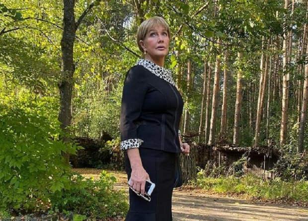 Вдова Караченцова озвучила сумму гонорара Прокловой за скандальные откровения