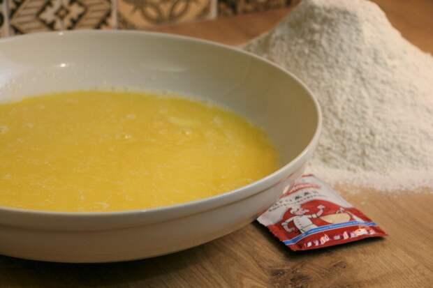 В воскресенье вечером делаю тесто на всю следующую неделю. Каждое утро на столе свежая выпечка