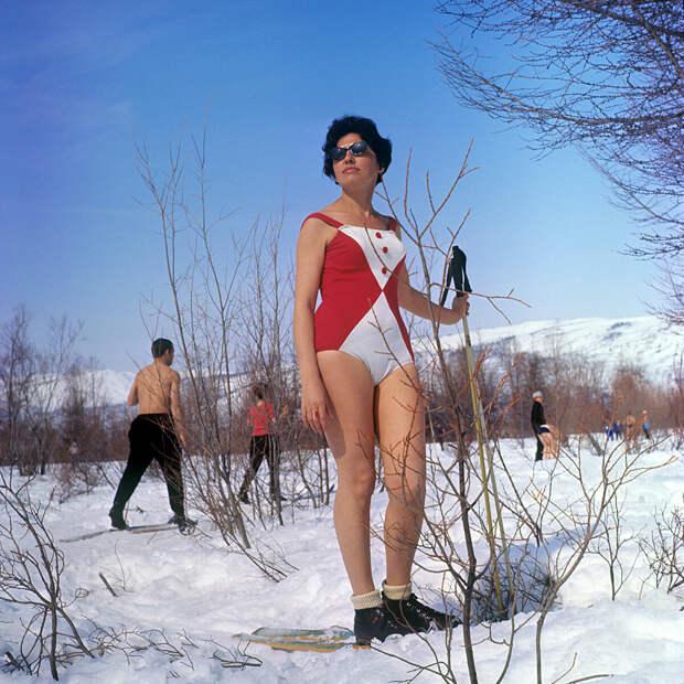 Отдыхающие на территории санатория в Магаданской области, 1968. (с) В.Коробейников/Sputnik