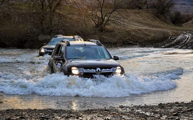 Оператив ЗР: учим плавать Renault Duster Dakar Edition