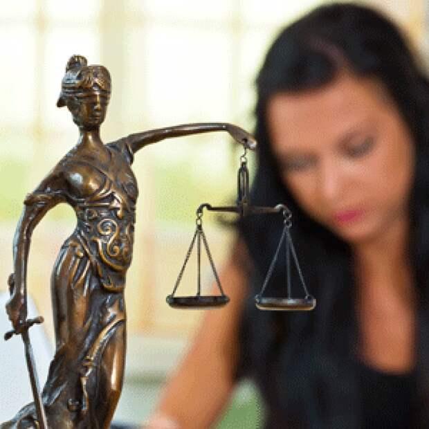 Защищают права потенциальных детей, но кто защитит права реальных женщин?
