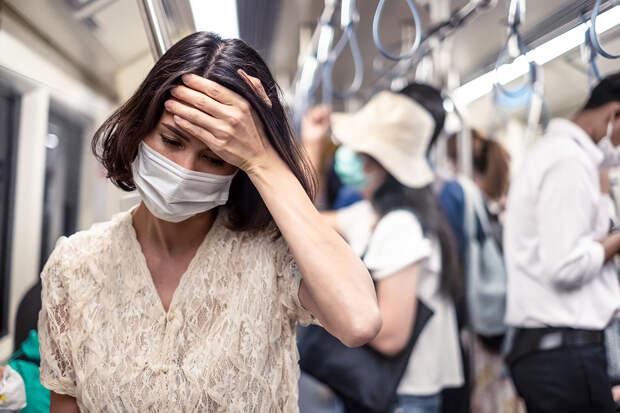 В московском метро пассажир напал на кашляющую женщину без маски