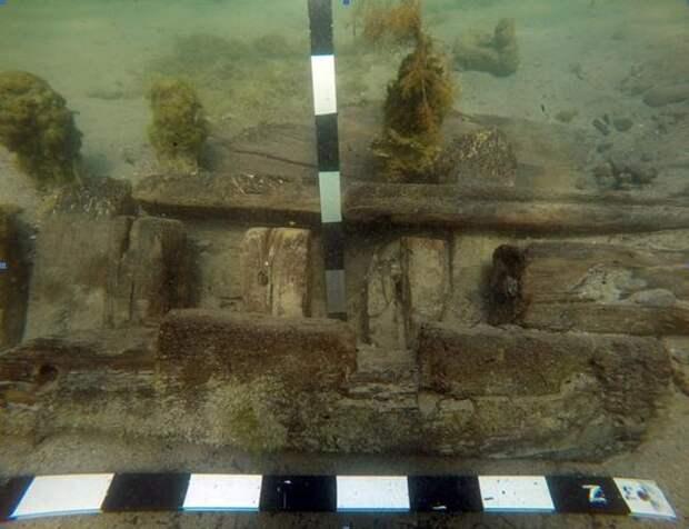 Остов деревянного судна. Фото: предоставлены Черноморским центром подводных исследований