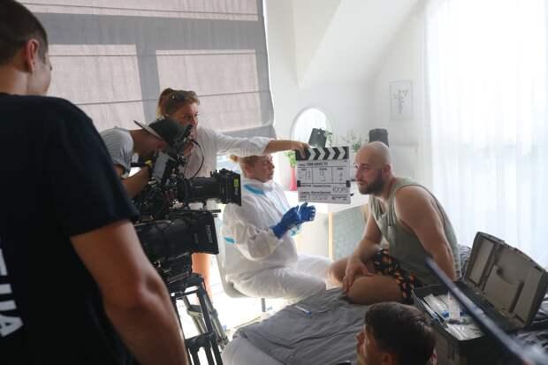 Полная самоизоляция: актеры сериала «100 000 минут вместе»