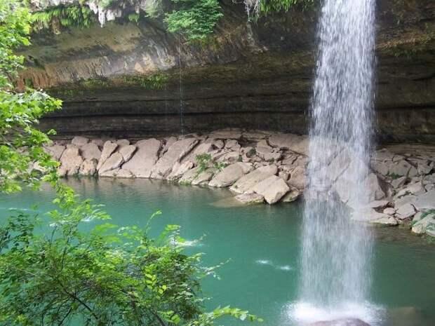 Красивейшее озеро Hamilton Pool водопад, озеро