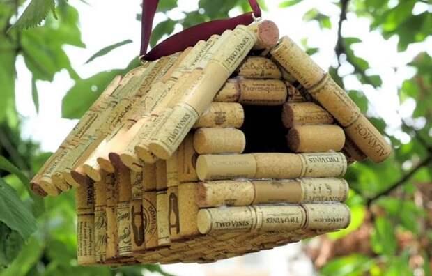 Сооружая скворечник со своим ребенком, вы помогаете птицам / Фото: uk.stareyesforever.com