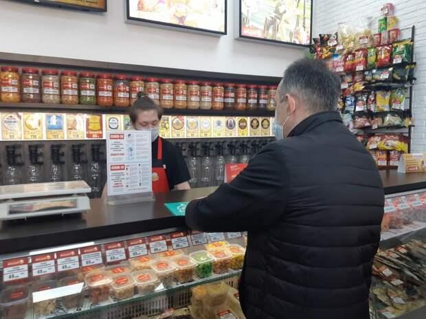 Считавшие себя кафе алкомаркеты в Ижевске «переквалифицировались» в магазины товаров первой необходимости