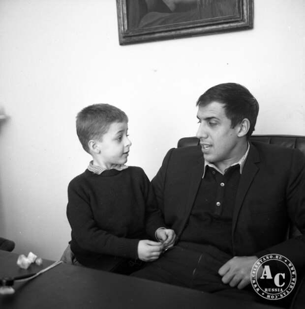Самому обаятельному итальянцу Адриано Челентано 80 лет